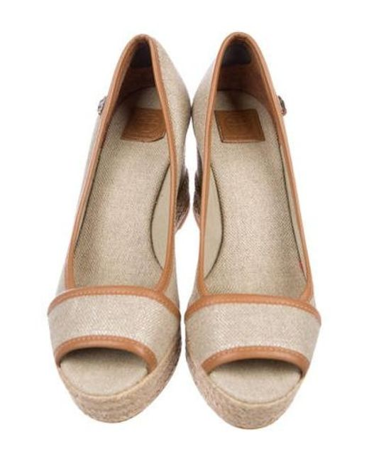 b518b7a8f209 ... Tory Burch - Natural Leather-trimmed Wedge Pumps Beige - Lyst ...