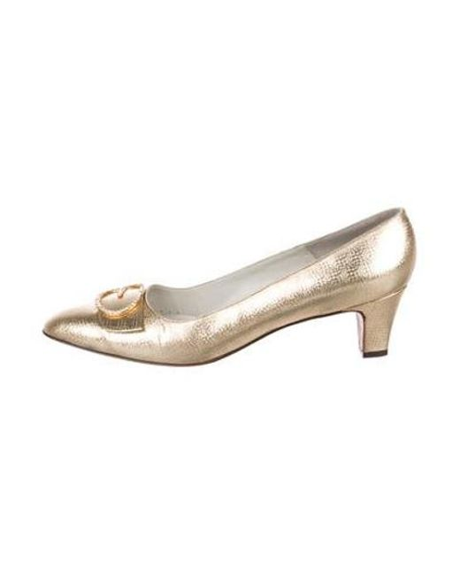 83d5d0f1ea6 Roger Vivier - Metallic Embellished Leather Pumps Gold - Lyst ...