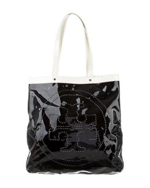 ec5b35372025 Tory Burch - Metallic Patent Leather Logo Tote Black - Lyst ...
