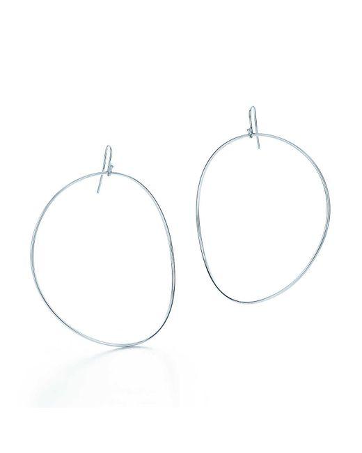 Tiffany & Co | Metallic Wave Hoop Earrings | Lyst