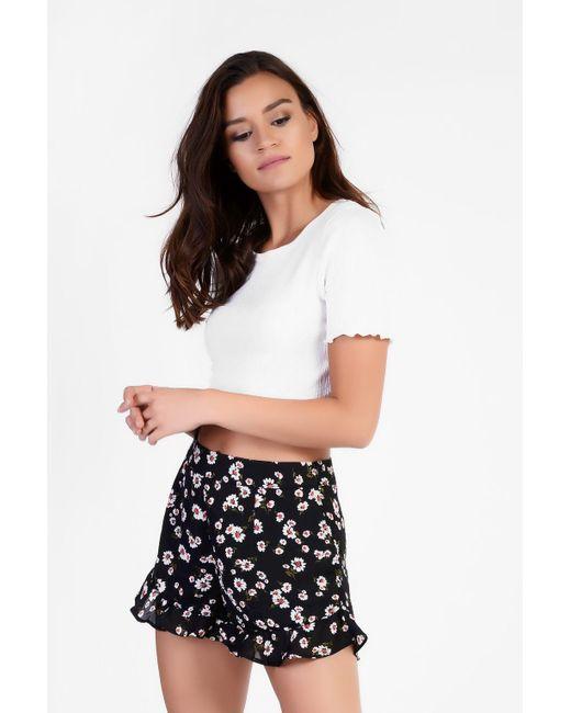 Glamorous | Black Daisy Printed Ruffled Shorts By | Lyst
