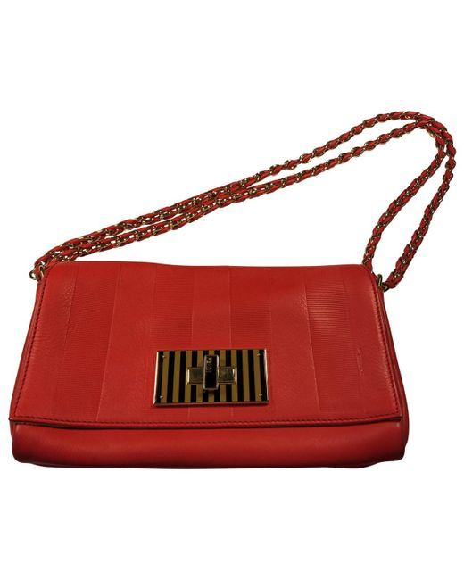 ccbe2b88bc74 Lyst - Fendi Pre-owned Red Leather Handbags in Red