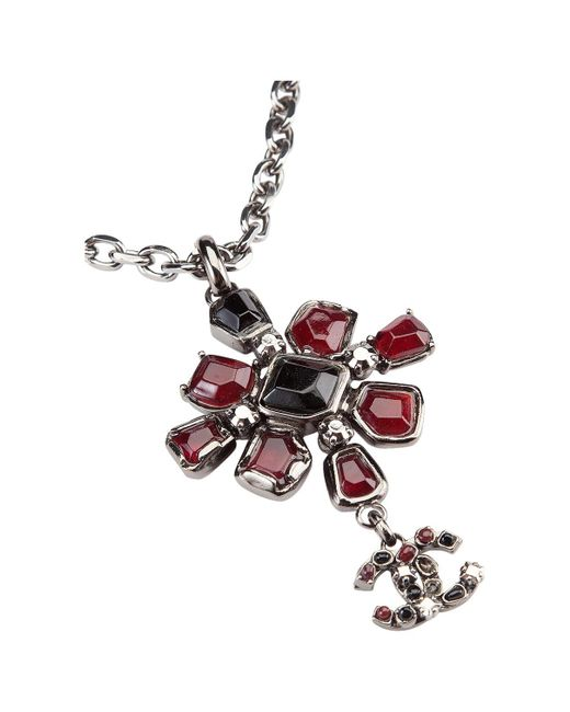 Chanel - Red Metal Long Necklace - Lyst