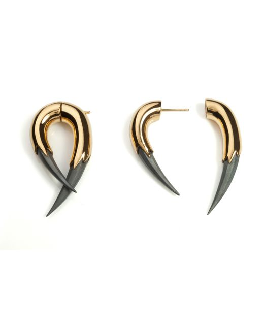 Kasun - Metallic Vampire Claw Earrings Gold - Lyst