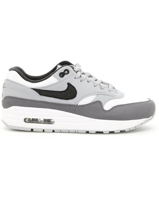 Nike Men's Green Air Max Sneakers