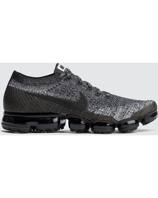 Nike Men's Black Flyknit Trainer