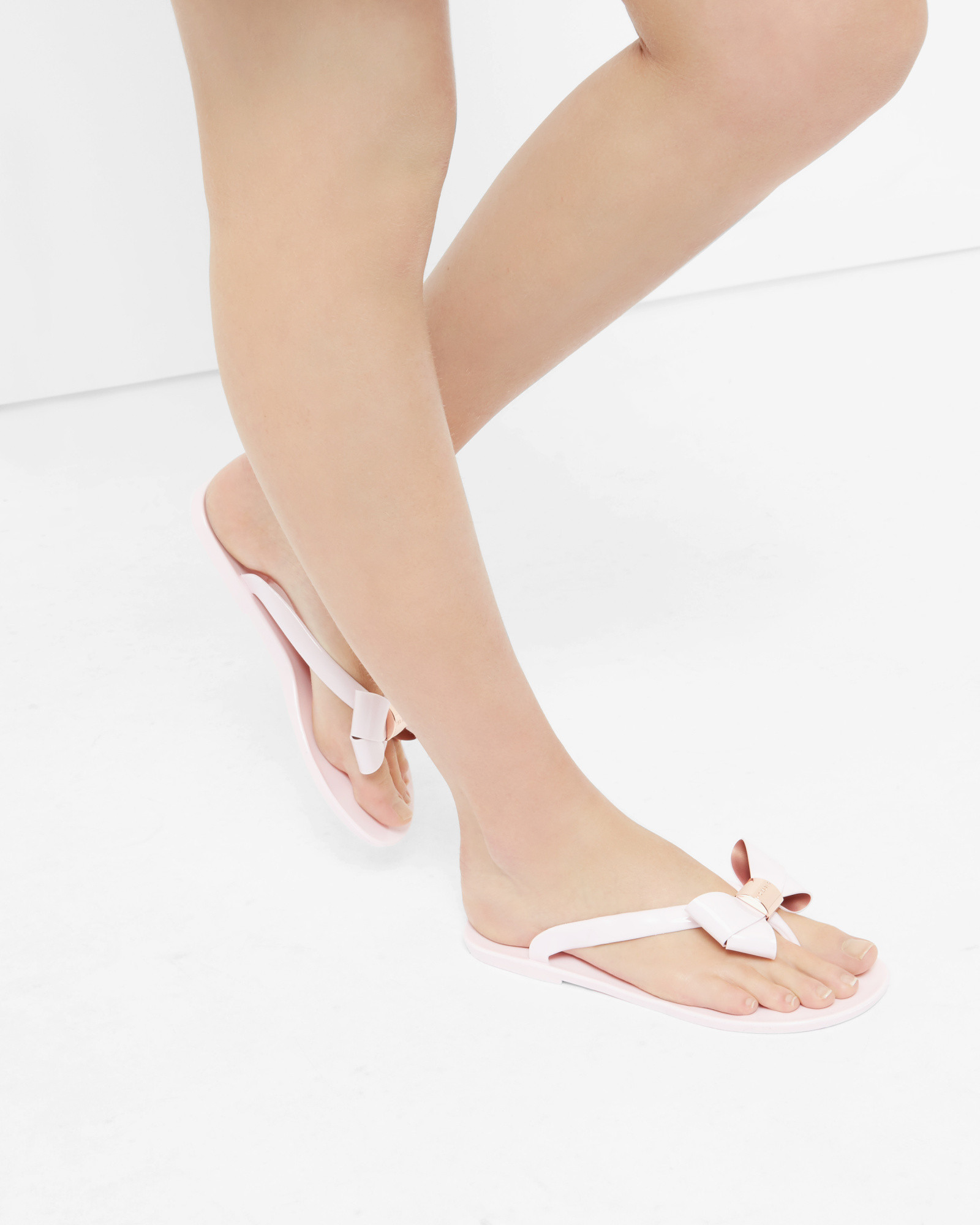 bab7f3816 Ted Baker Bow Flip Flops in Pink - Lyst