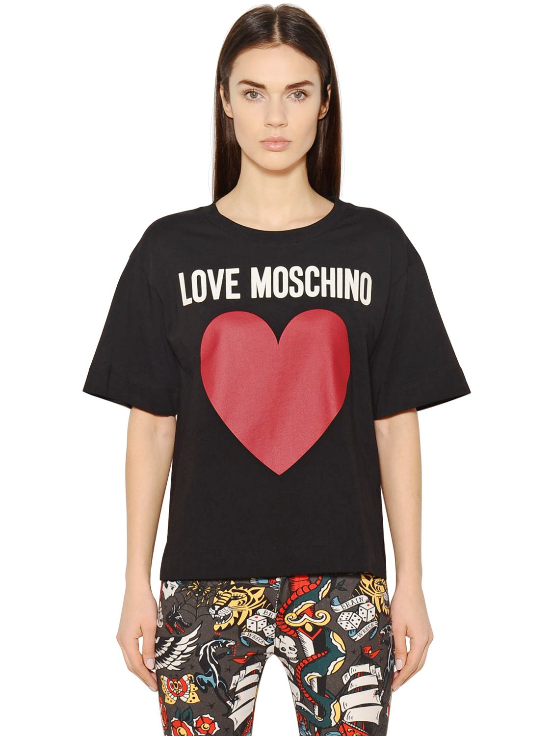 love moschino heart printed cotton jersey t shirt in black. Black Bedroom Furniture Sets. Home Design Ideas