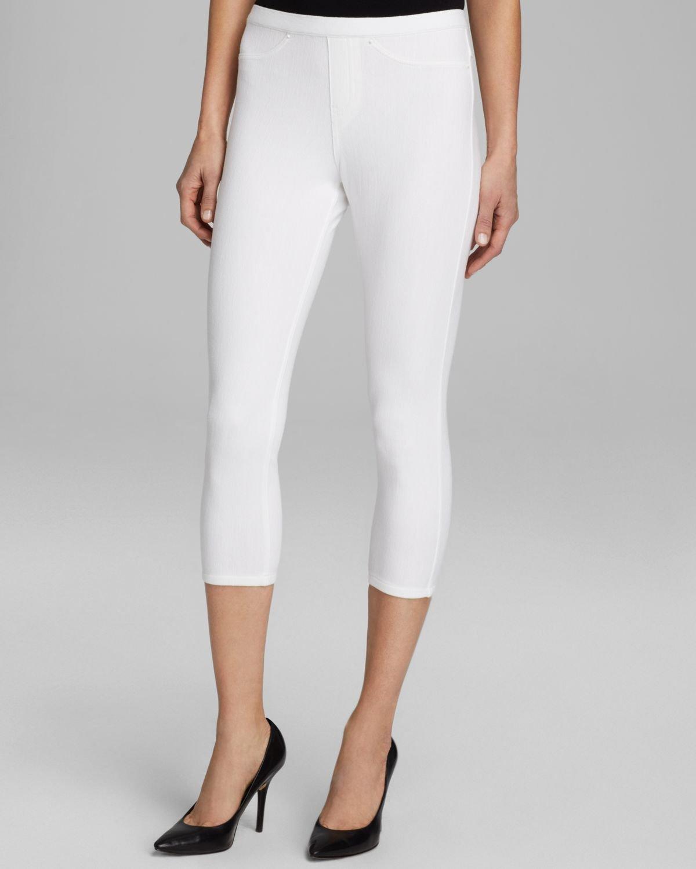 Hue Original Capri Jean Leggings in White | Lyst