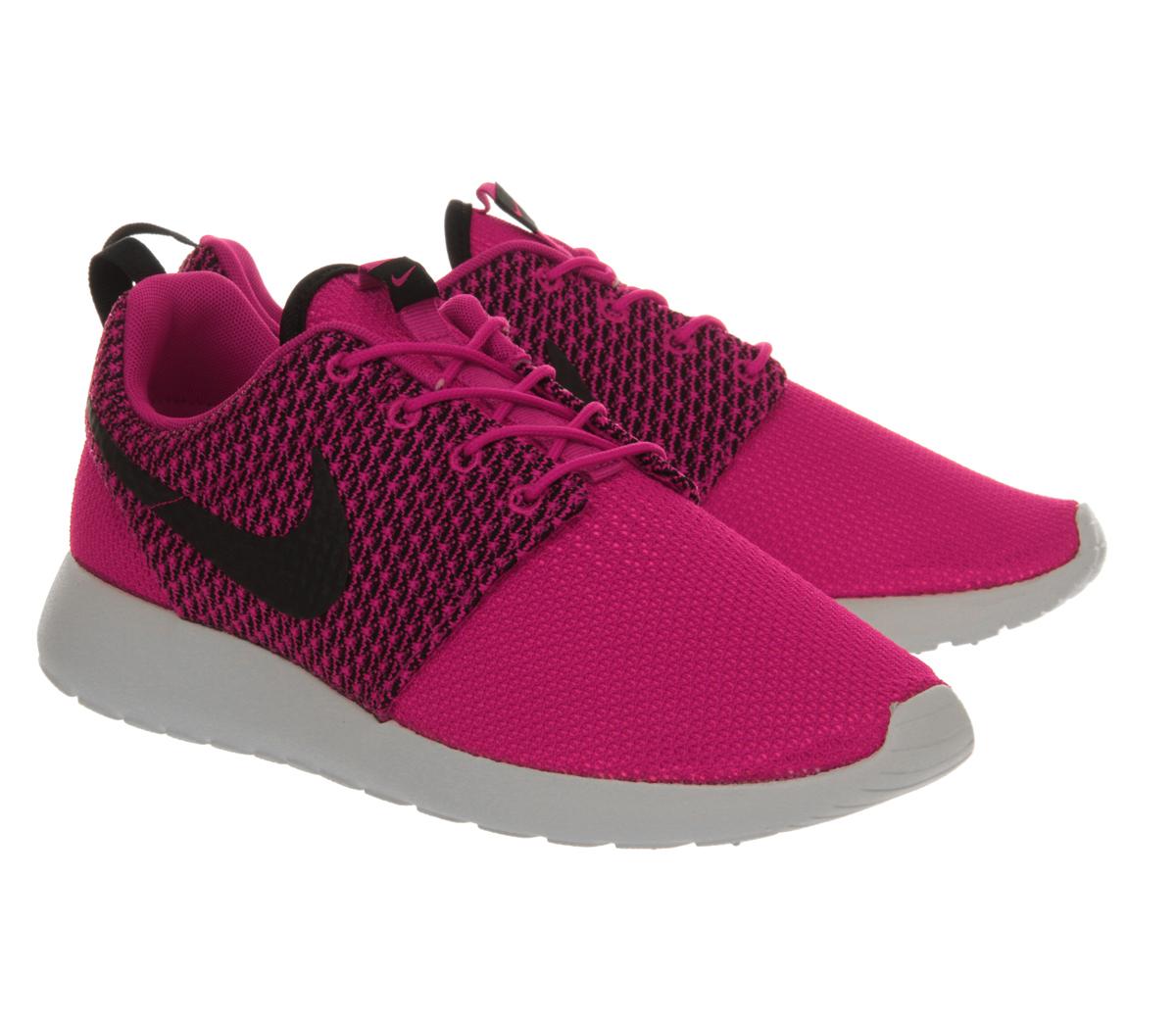 Nike Roshe Run Trainers - For Men in Pink for Men | Lyst