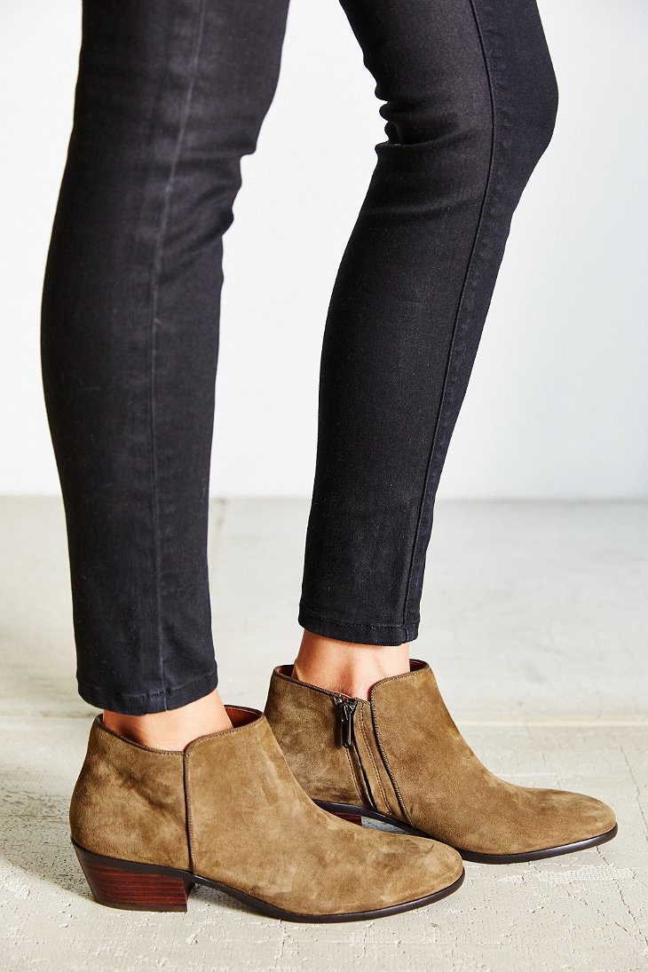 5d7268262622 Gallery. Previously sold at  Urban Outfitters · Women s Sam Edelman Petty  ...