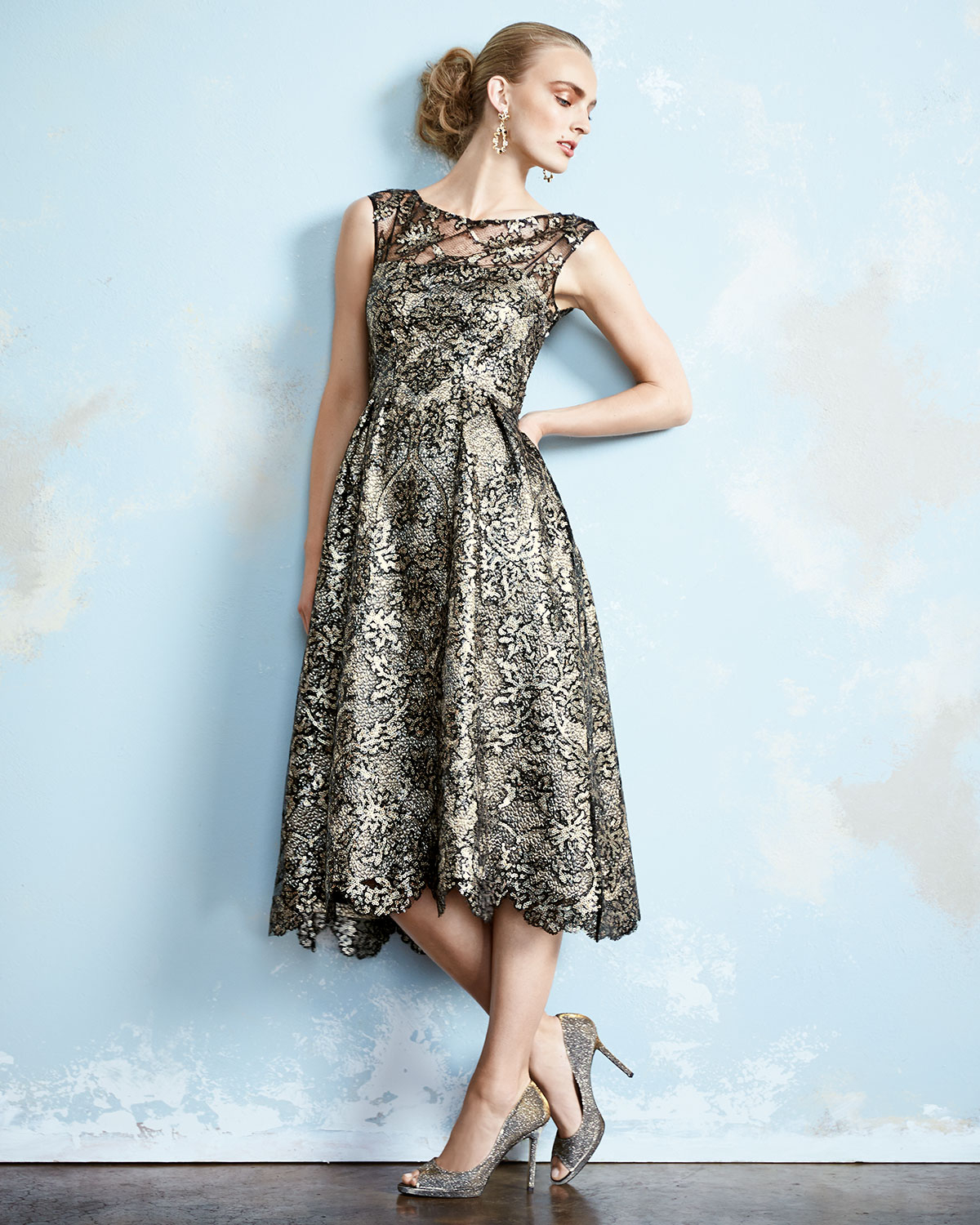 Lyst - Kay Unger Sleeveless Lace Tea-length Cocktail Dress in Metallic