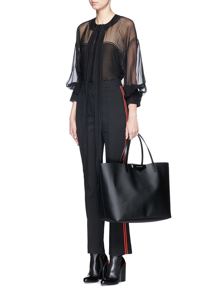 a81bc0fab0 Givenchy Antigona Coated-Twill Tote in Black - Lyst