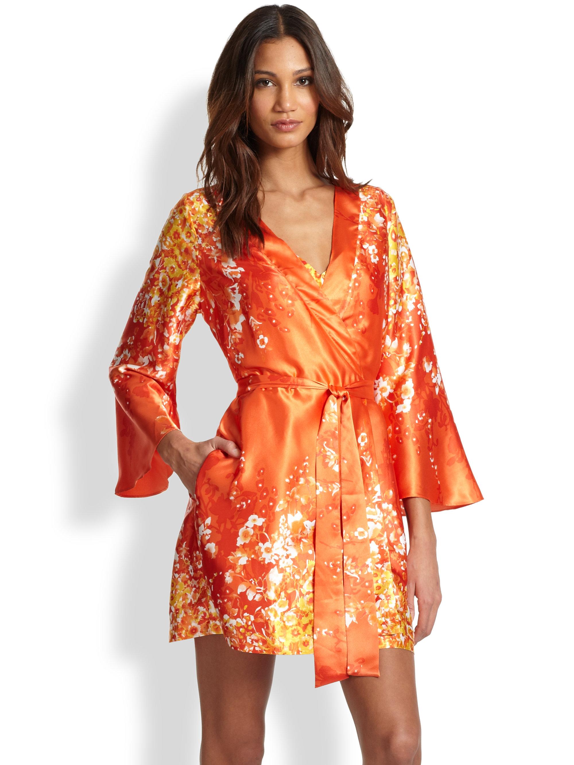 3812f87d31 Lyst - Oscar de la Renta Wildflower Satin Charmeuse Short Robe in Orange