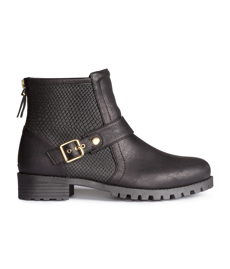 New Hunter Is Known For Being One Of The Top Rain Boot Brands And Is Frequently Spotted On The Feet  Prices Will Specifically Range From $5 To $80 And The Womens Clothing Sizes Will Run From XS To 3XL Related Kat Von D Just Released 10