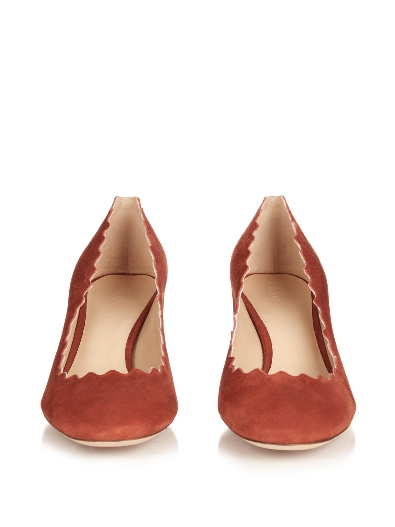 333cdf97e91 Lyst - Chloé Lauren Scallop-edged Block-heel Suede Pumps in Red