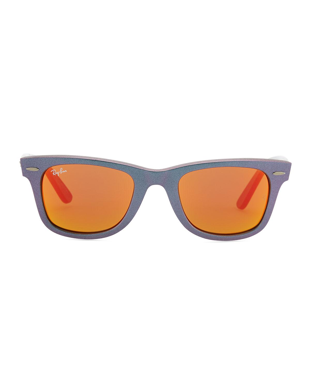 Девушки брюнетки в очках от солнца фото