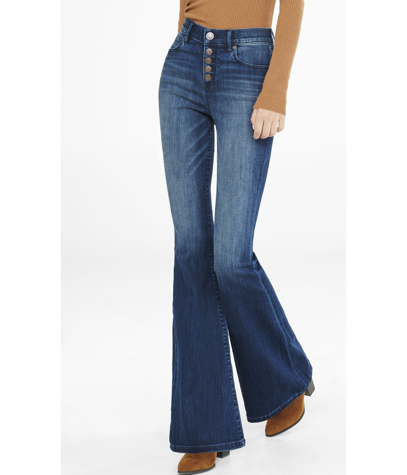 WOMEN'S NEW & VINTAGE JEANS. Hunting for new and vintage jeans? Skinny, boyfriend, straight, flare, high waisted, 90s mom and LOADS of vintage Levi's; they're all here.