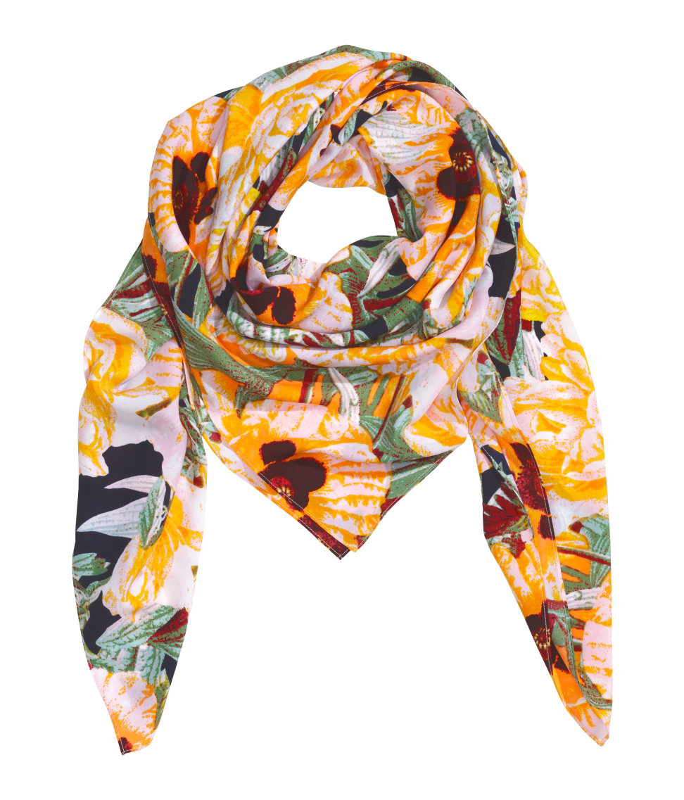 h m patterned scarf in blue lyst