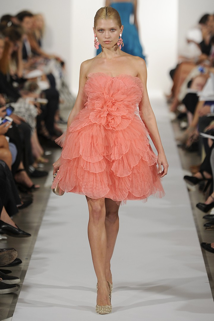 Oscar De La Renta Strapless Tulle Petal Dress In Red Lyst
