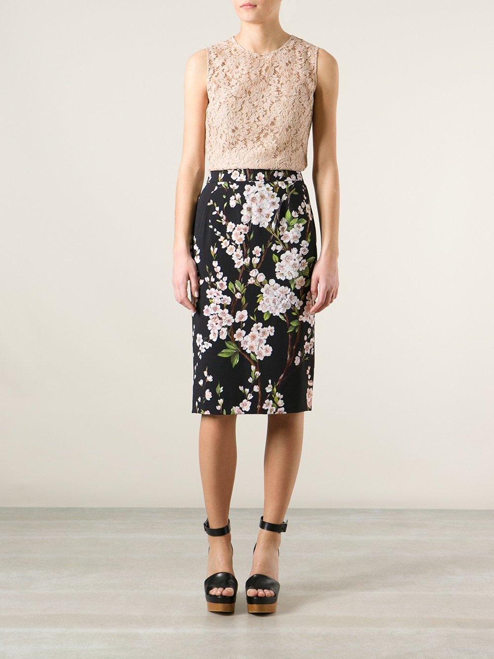 Dolce & gabbana Floral Print Pencil Skirt in Black | Lyst