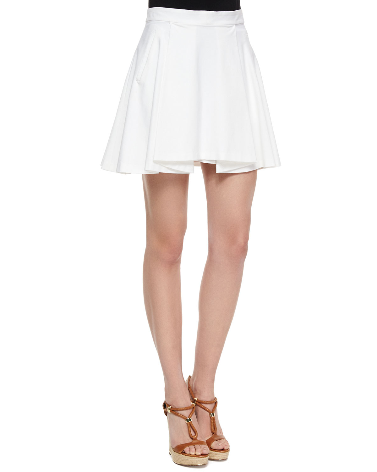 Milly Dobby Stretch Pleated Skirt With Pockets in Natural | Lyst