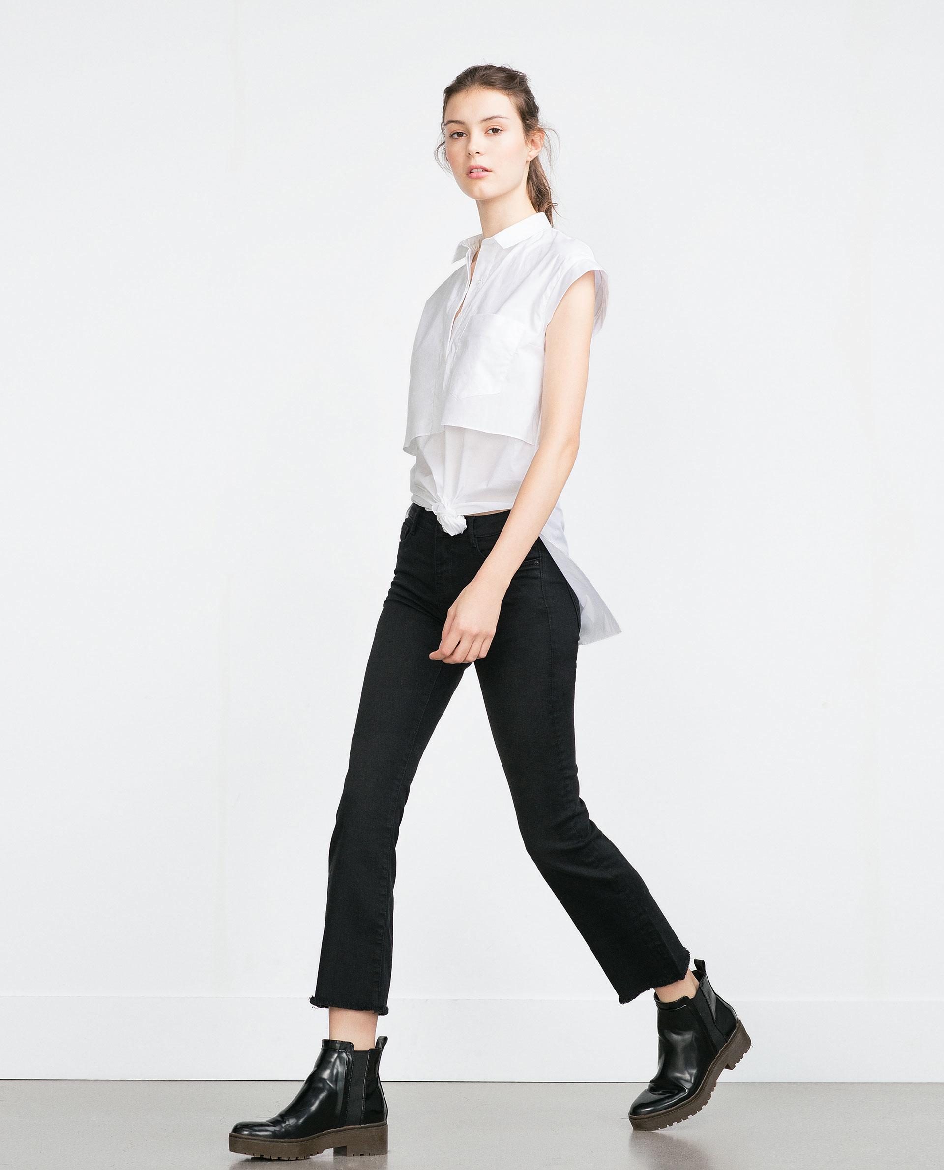 Zara Cropped Flared Jeans in Black | Lyst