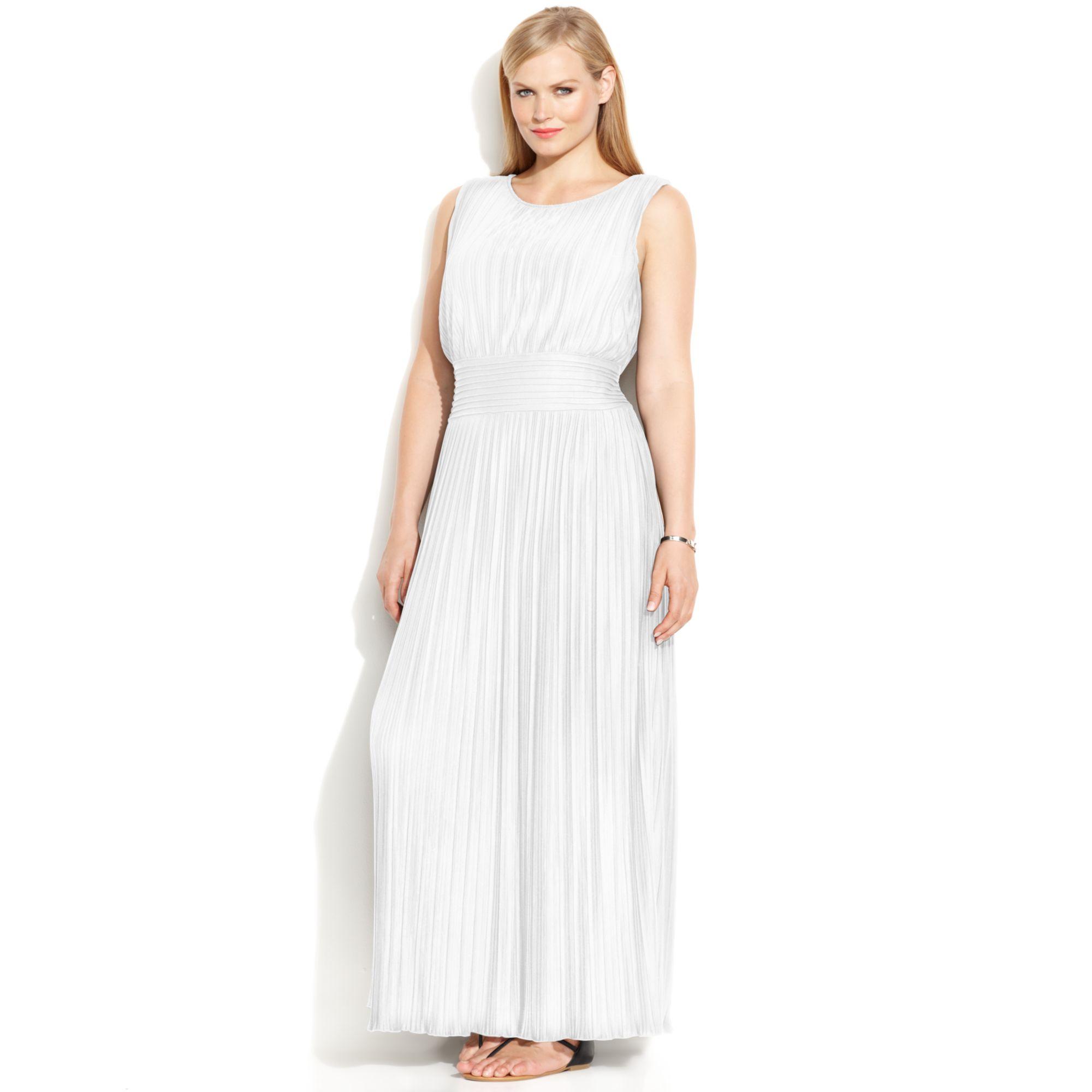 26e372780 Calvin Klein Plus Size Sleeveless Pleated Maxi Dress in White - Lyst