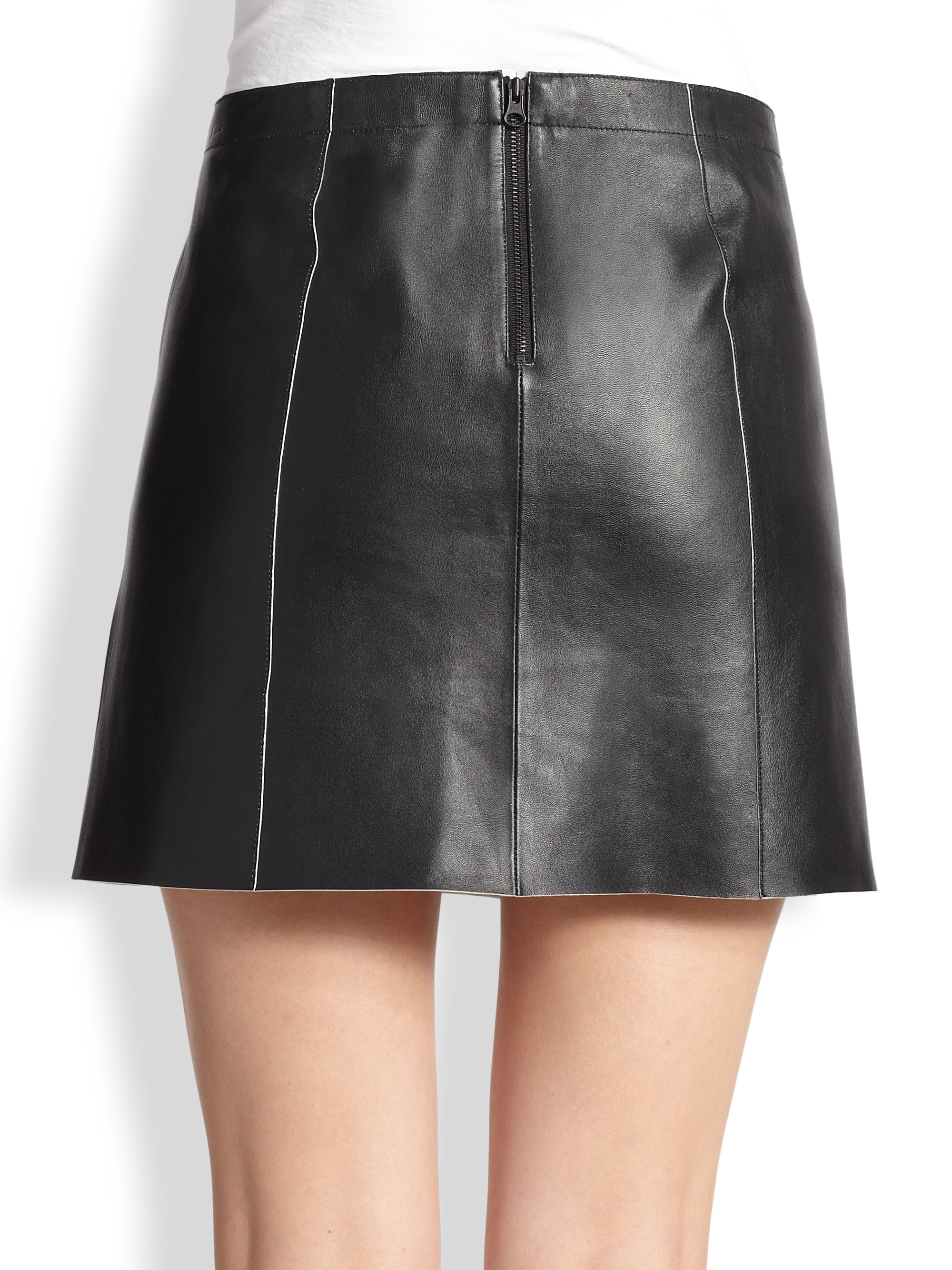 07d90f1e52 Vince Leather Mini Skirt in Black - Lyst
