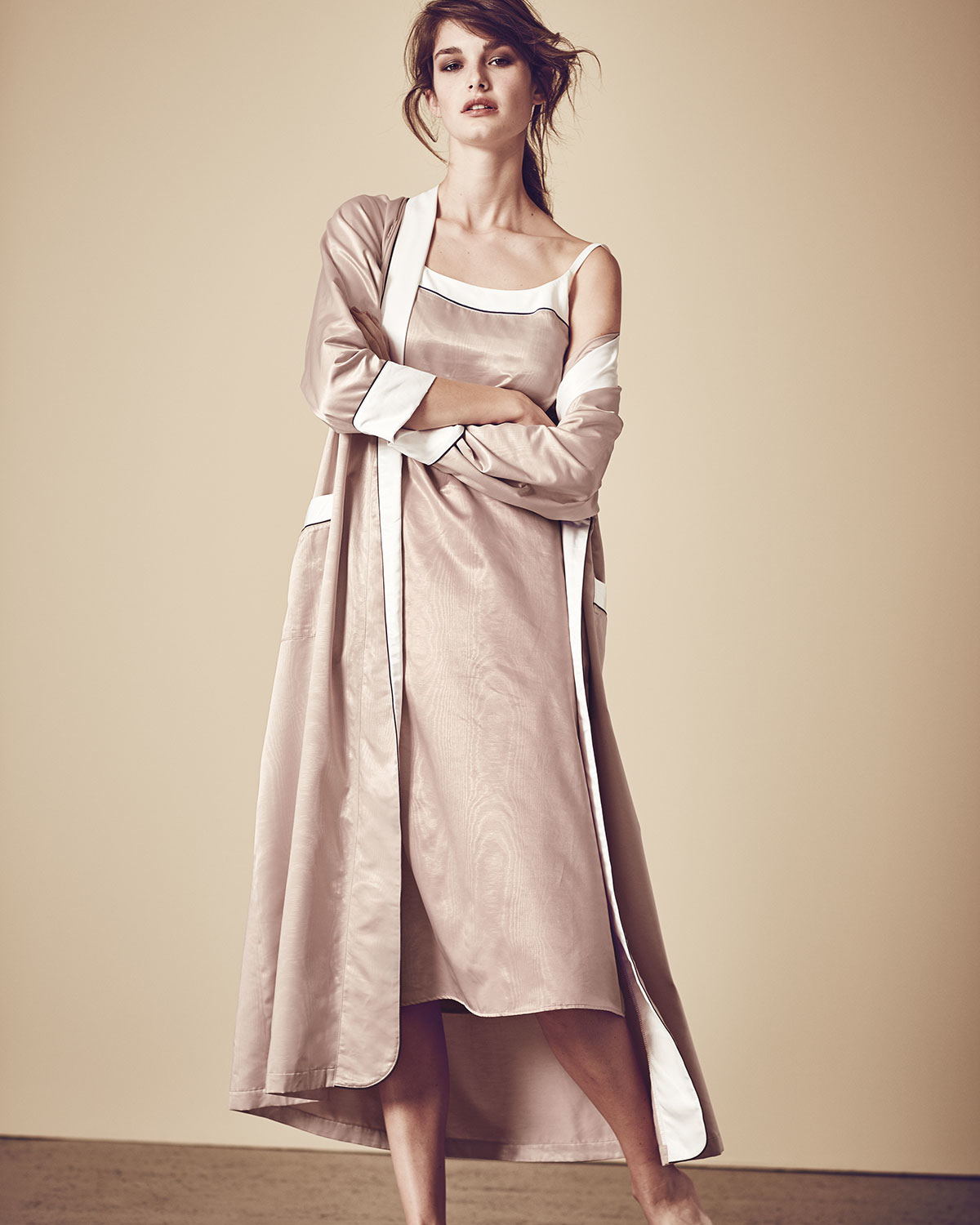 Louis at home Monte Carlo Satin Long Robe in Natural