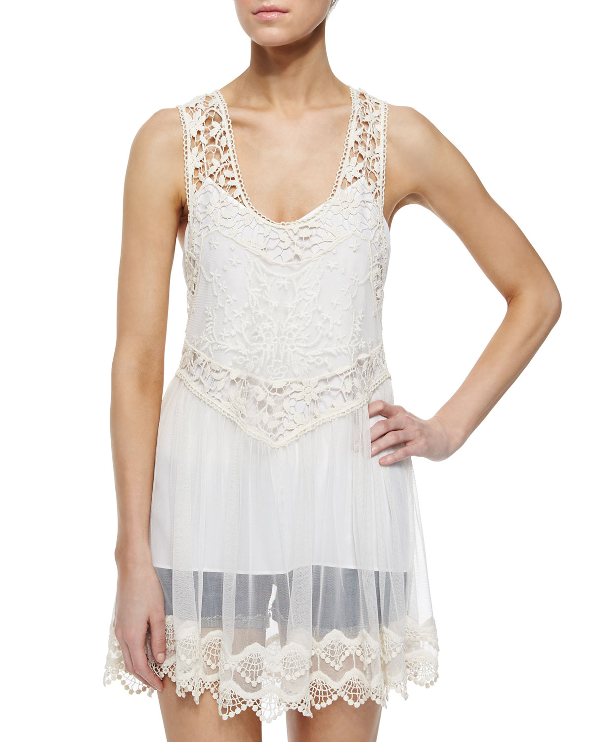 6c4b439bc9b14 Lyst - Alice + Olivia Jayla Sheer-lace Racerback Top in White
