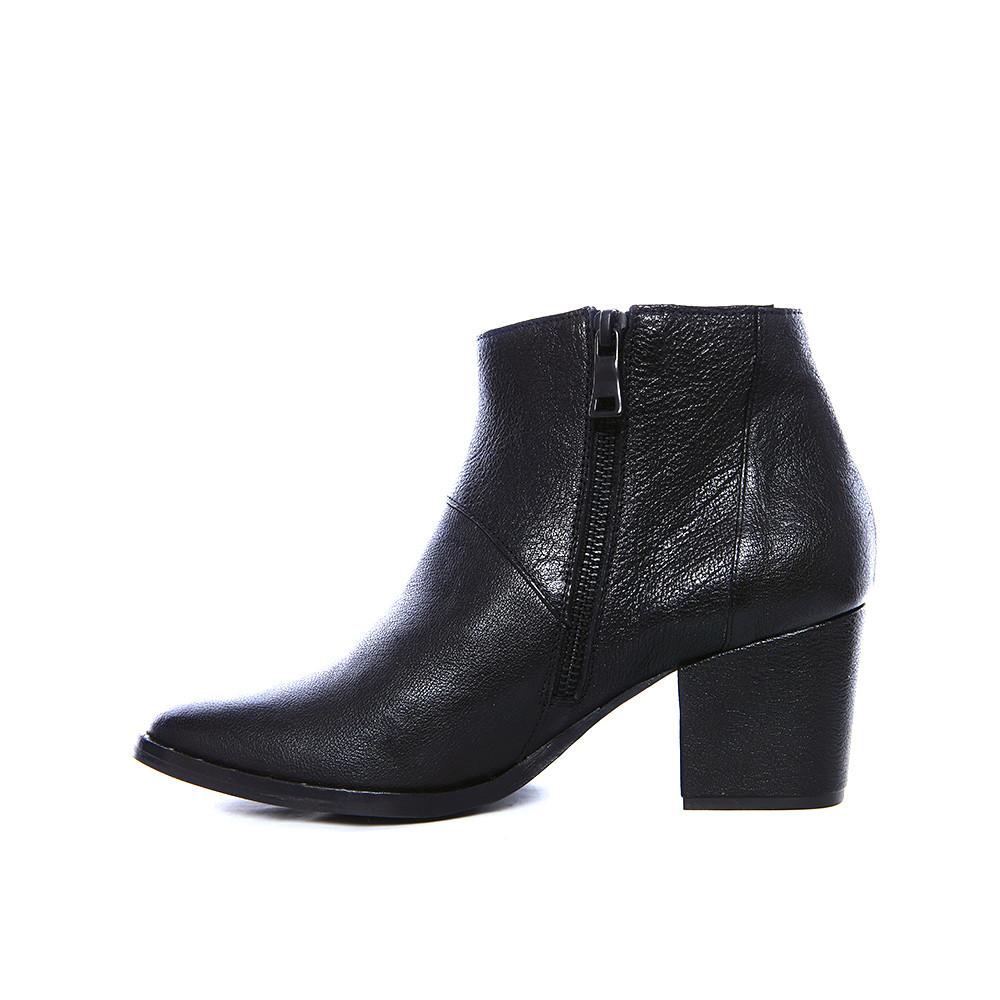 fr苴da salvador comet mid heel ankle boot in black lyst