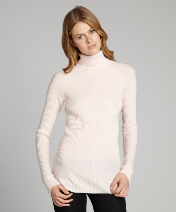 Qi Pale Pink Cashmere Ribbed Turtleneck Sweater in Pink | Lyst