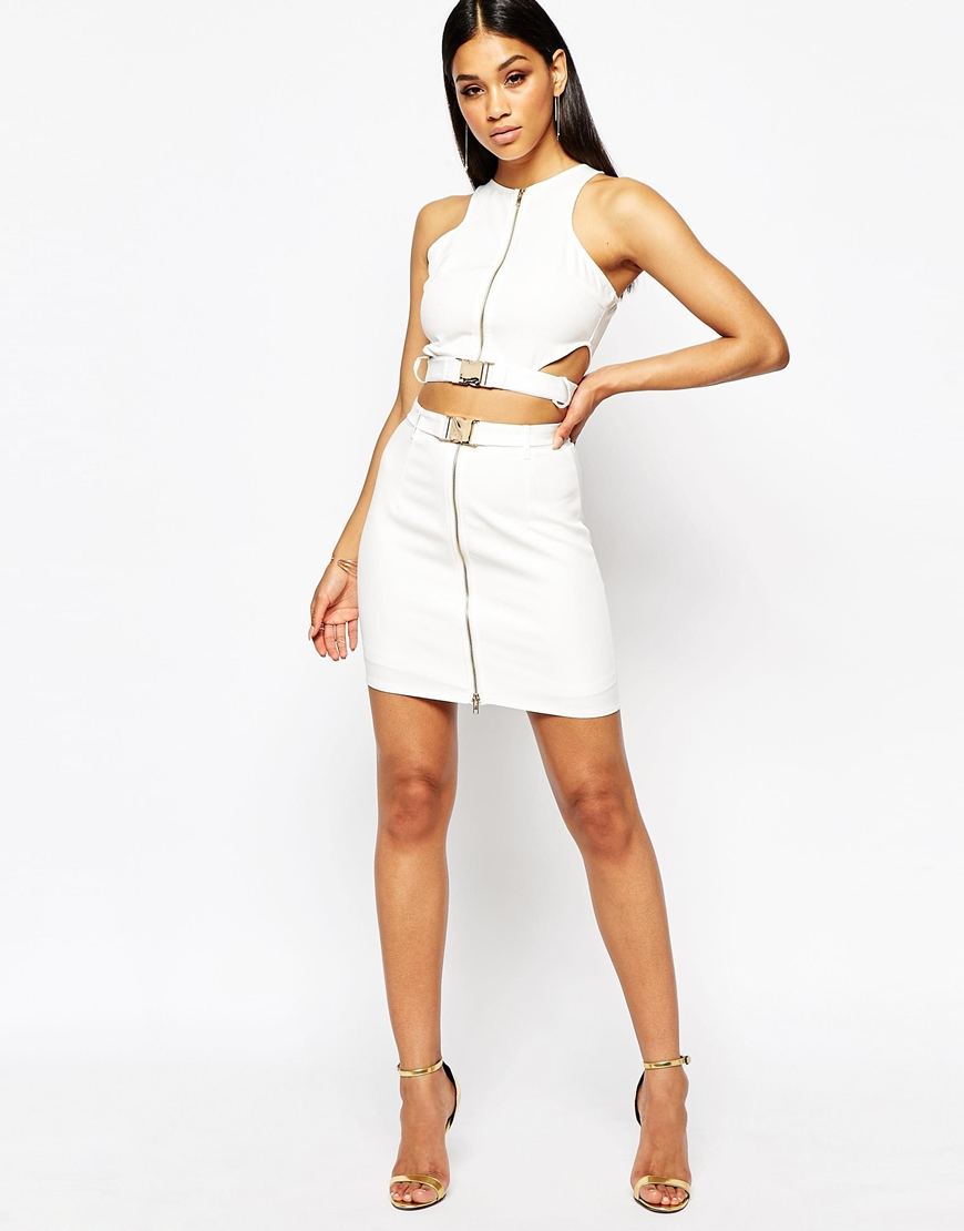 c801aff4d1e Missguided Buckle Zip Front Cut Out Crop Top in White - Lyst