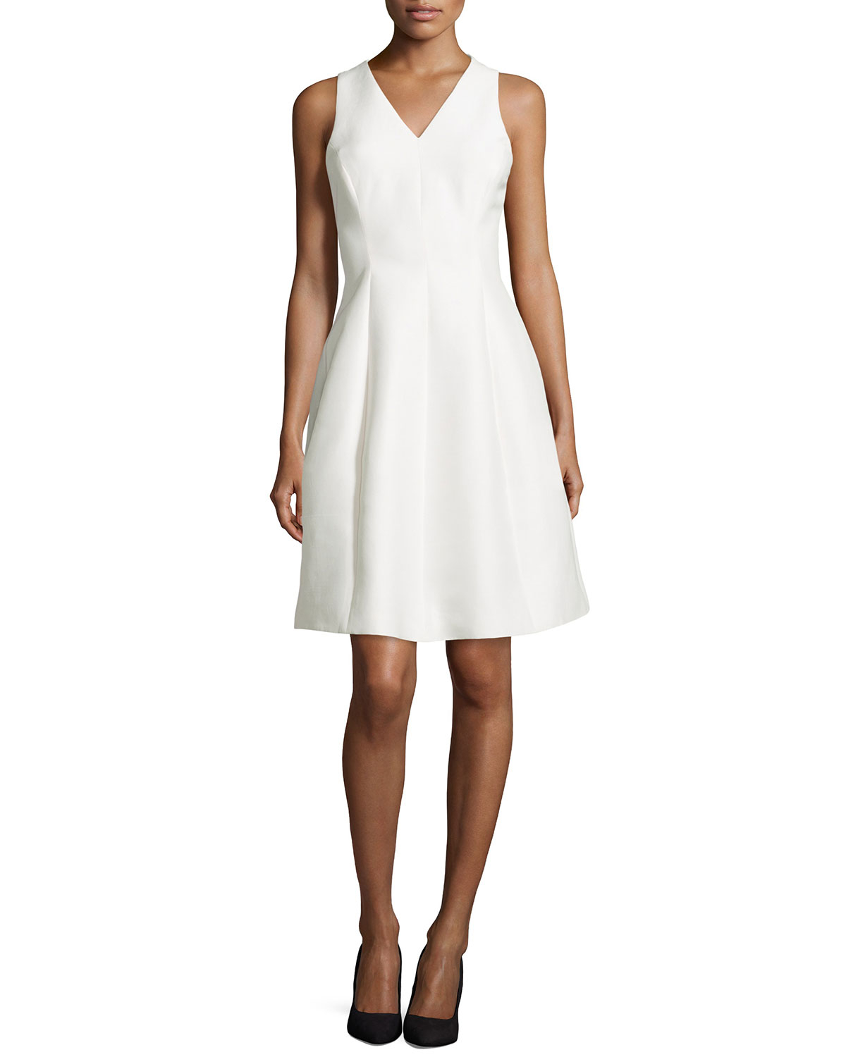 Halston Sleeveless Fit And Flare Cocktail Dress In White