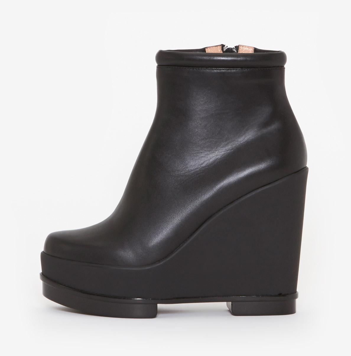 robert clergerie sarlah wedge boot in black lyst