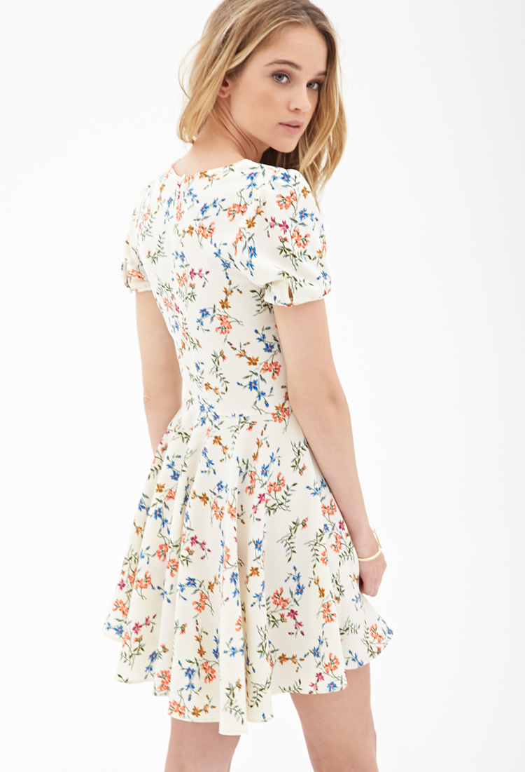 a4a47d9b5a2 Lyst - Forever 21 Floral Foliage Skater Dress