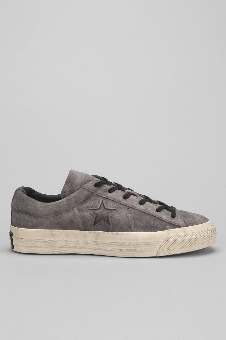 5aff4d8215c6 Gallery. Previously sold at  Urban Outfitters · Men s John Varvatos Converse  ...