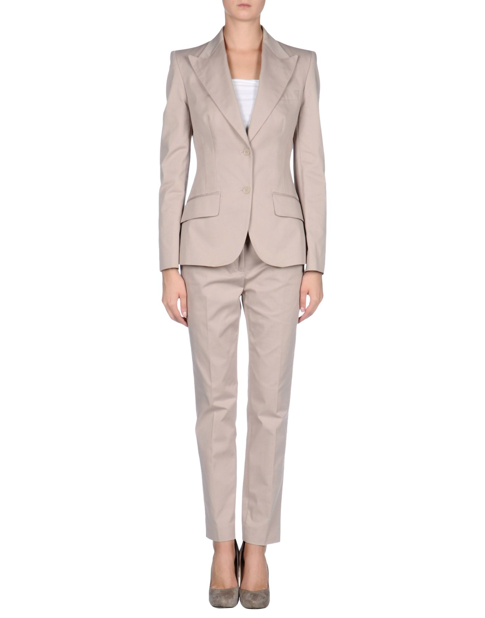 Shop this seasons women's work apparel, including versatile suiting, dresses, sweaters, blouses, perfectly fitting pants and more at New York & Company.
