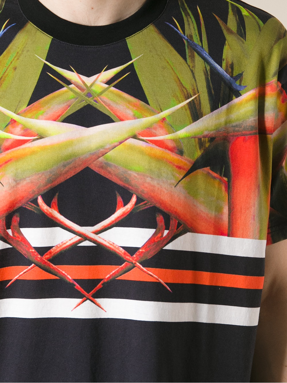 Givenchy Bird Of Paradise Print Tshirt in Black for Men | Lyst