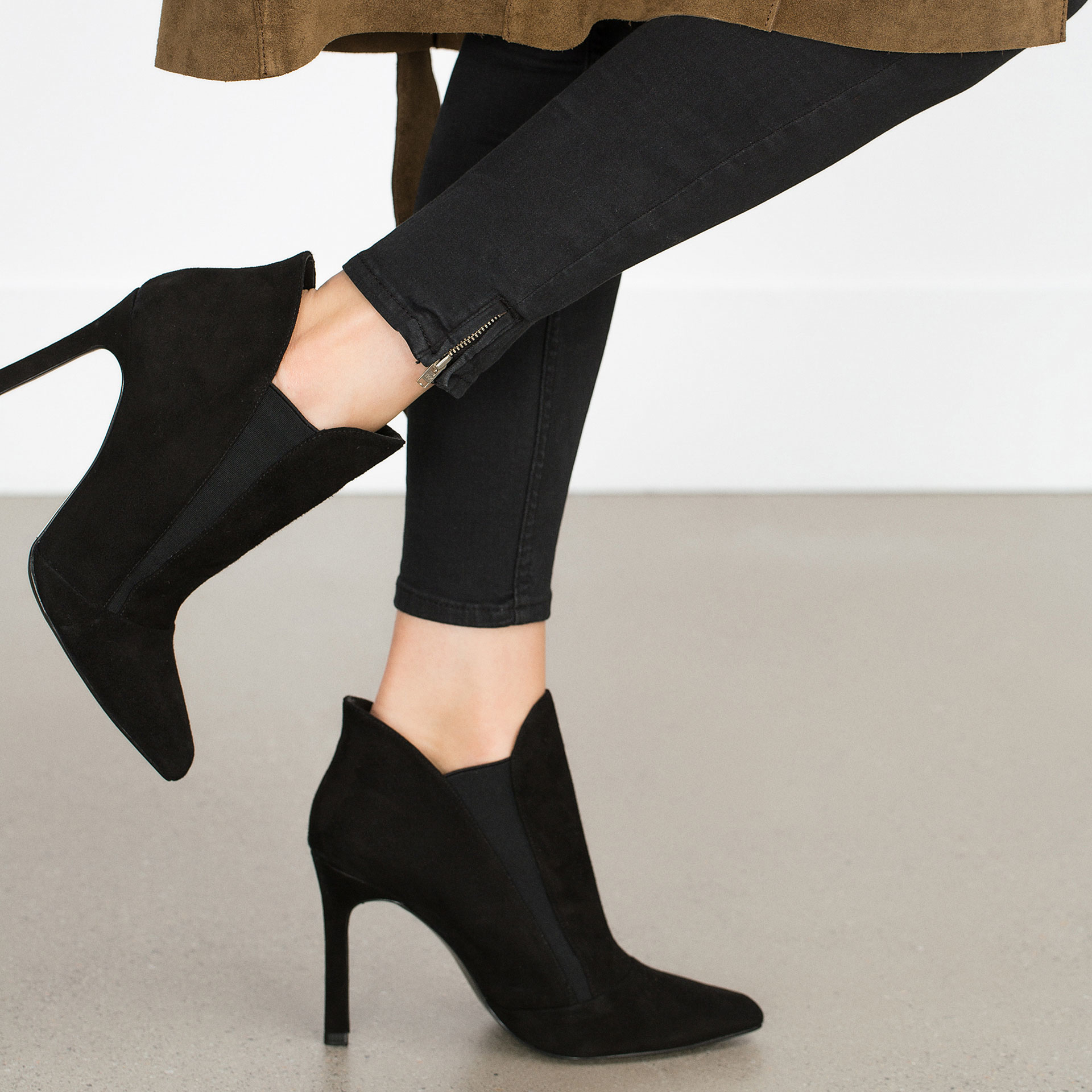 Zara High Heel Stretch Leather Ankle Boot in Black | Lyst