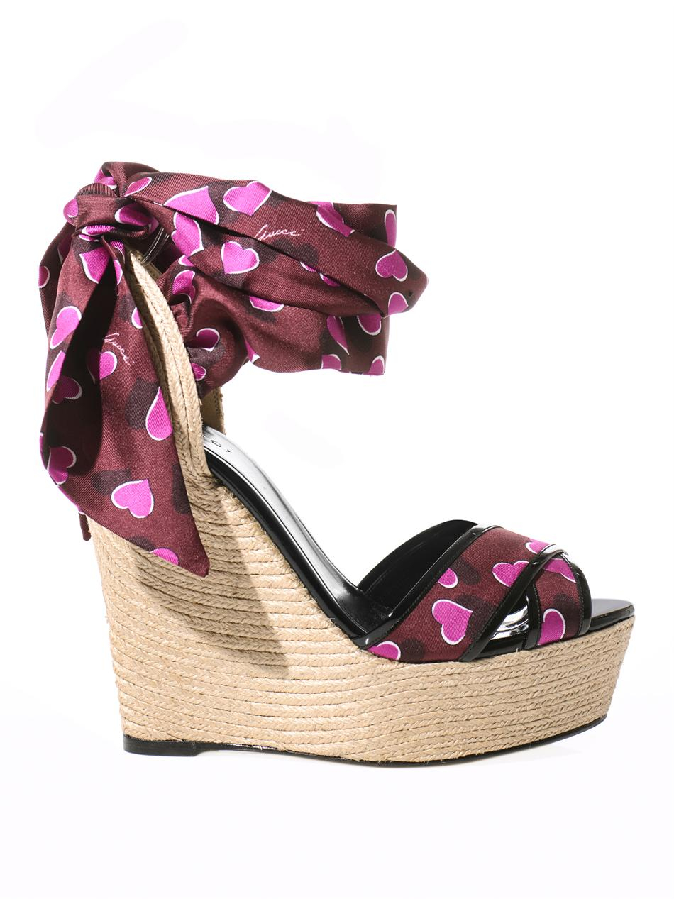 475ec1a0a Gucci Carolina Raffia Silk Wedge Sandals - Lyst