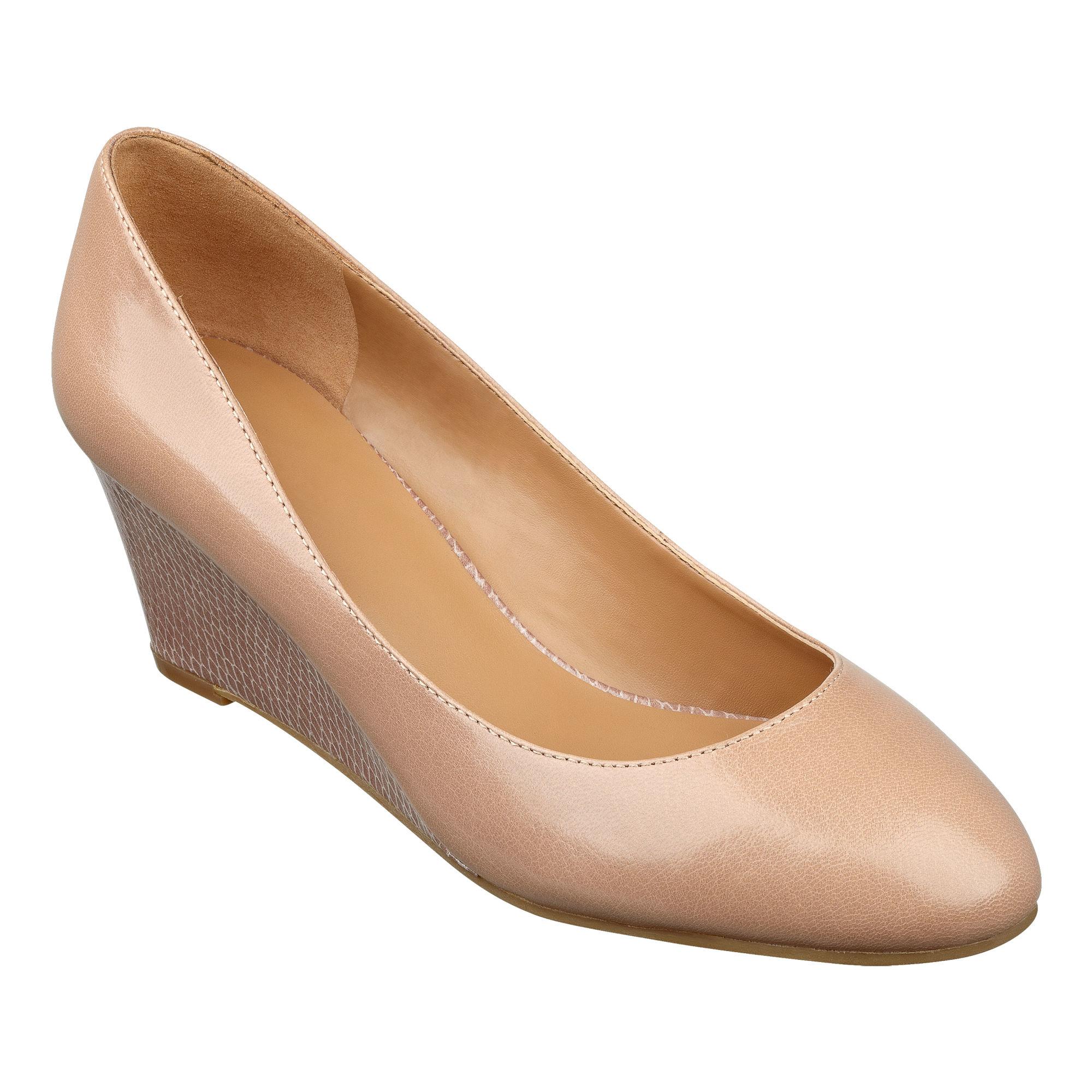 951ce35fd6 Nine West Ispy Wedge Heels in Natural - Lyst