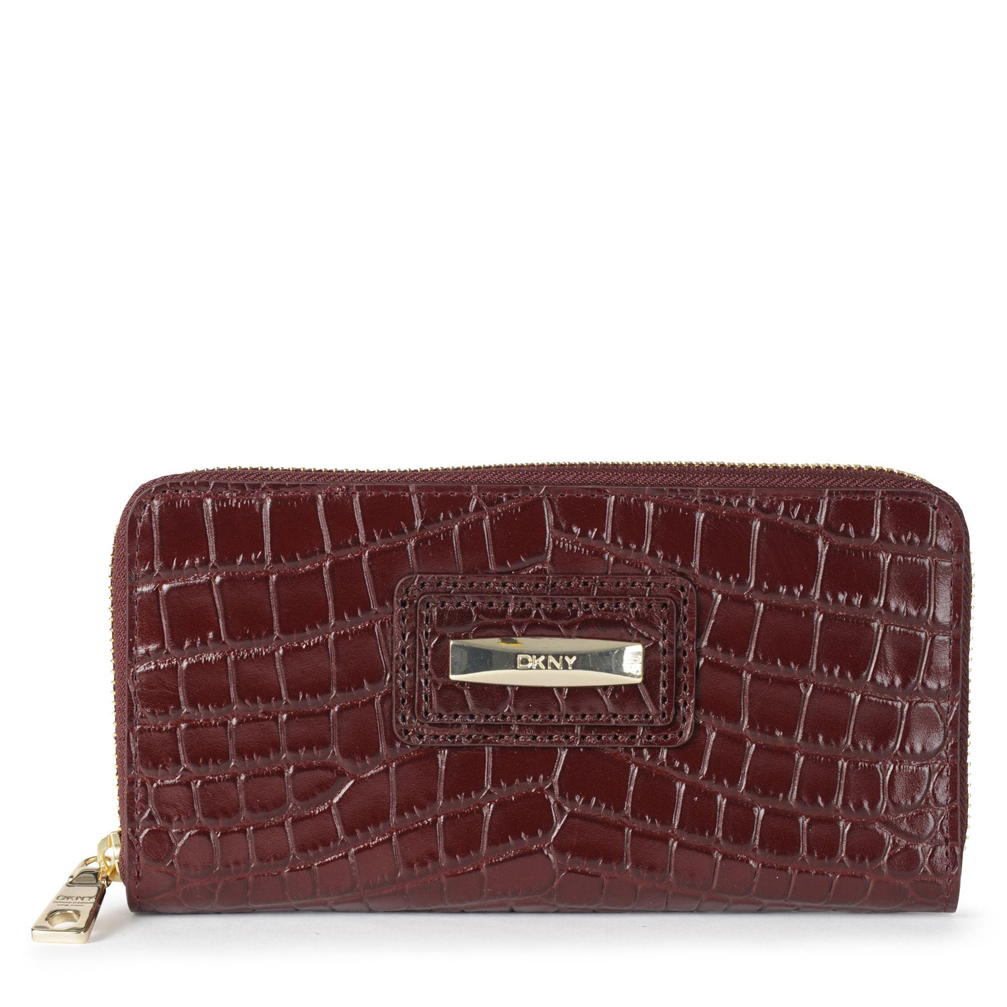 DKNY Donna Karan Gansevoort Quilted Leather Zip Around Wallet Purse burgundy