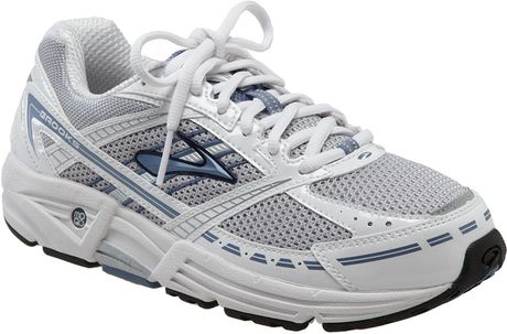 Brooks Addiction 9 Running Shoe (women) in Silver (silver