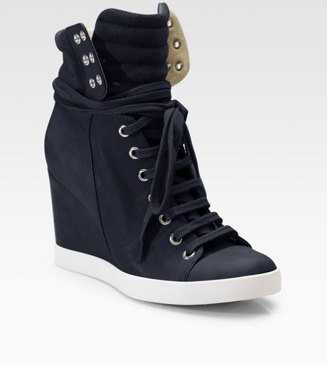 Put your feet into Women's Navy Blue Shoes, Men's Navy Blue Shoes and others at Macy's. Macy's Presents: The Edit - A curated mix of fashion and inspiration Check It Out Free Shipping with $49 purchase + Free Store Pickup.