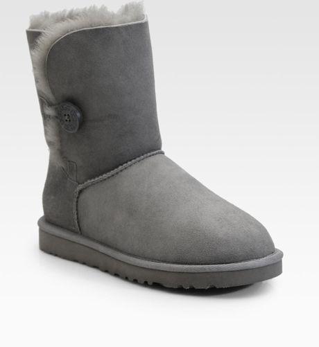 grey short uggs