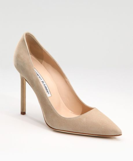 Manolo Blahnik Bb Suede Point-toe Pumps in Beige