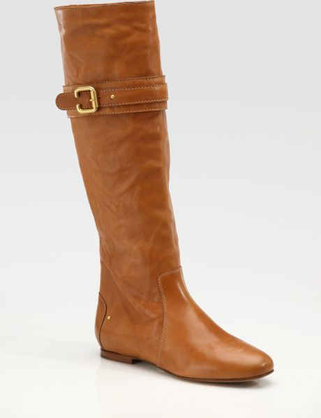 chlo 233 flat buckle boots in brown lyst