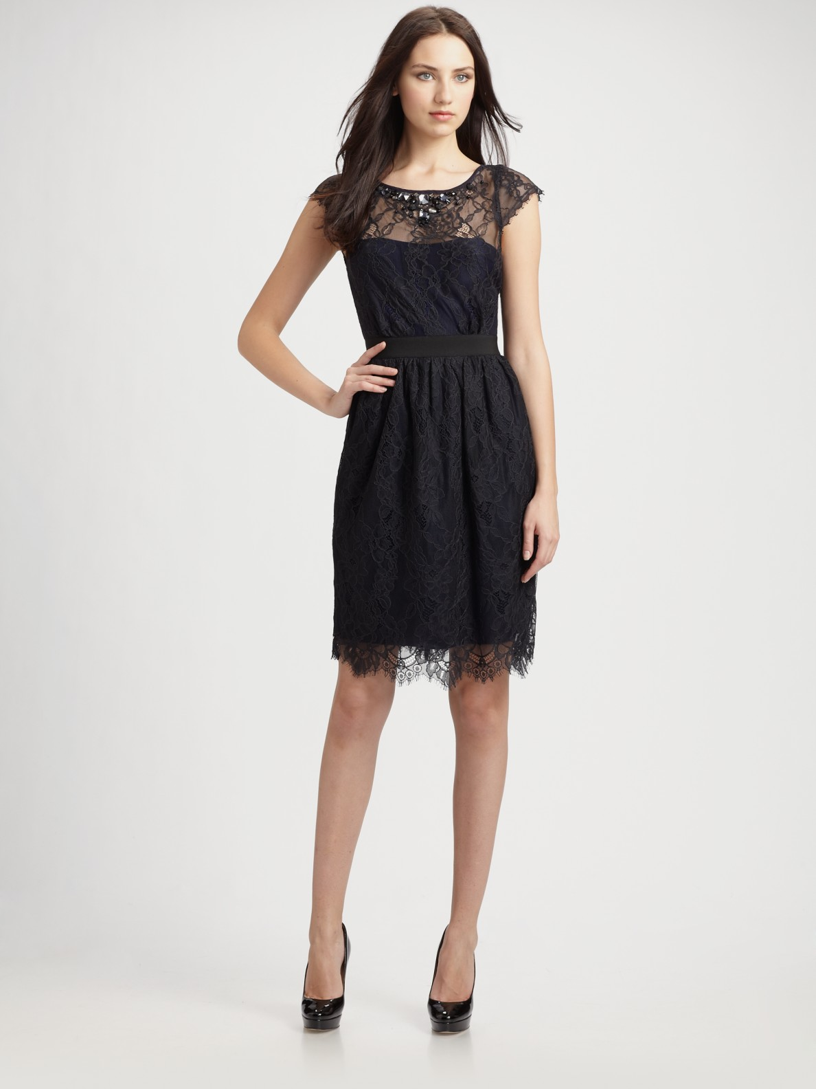 Ml Monique Lhuillier Midnight Lace Cocktail Dress In Black